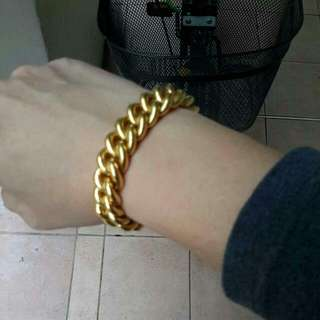 916/22k Gold Bracelets 79.11gm (looking to trade for other design with same value)