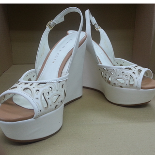 Brand New White Charles & Keith Wedge - Size 35