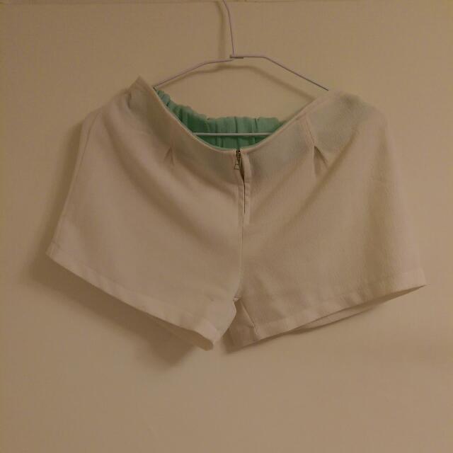 氣質白色短褲