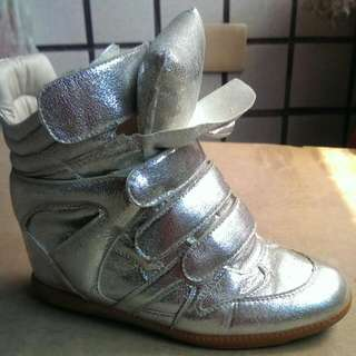 韓系銀色內增高休閒鞋