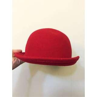 紅色小圓帽