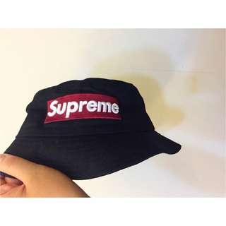 黑色漁夫帽