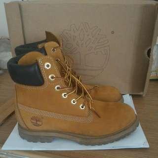 Timberland 經典黃靴(待匯款)