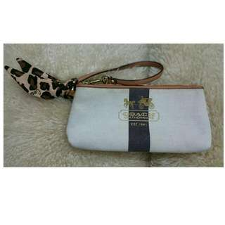 Vintage COACH WRISTLET WITH SCARF STYLE BOW.