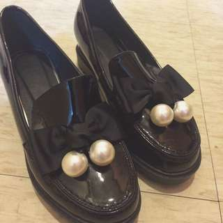 大~降~價~全新轉賣漆皮 蝴蝶結 低跟 樂福鞋
