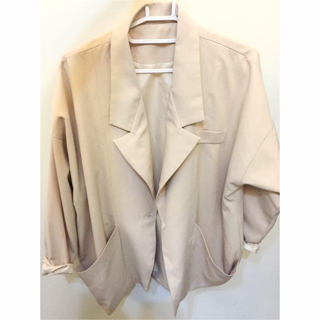 米色寬版西裝外套