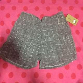 格紋小短褲