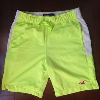 Hollister 營光黃運動短褲
