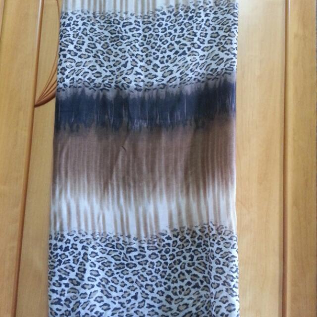 全新淺咖啡色豹紋大披巾
