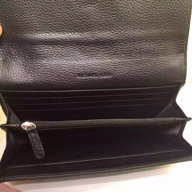 42701f63607a MK Fulton Leather Carryall Wallet, Luxury on Carousell