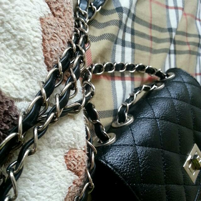 QUILTED PU LEATHER SING BAG
