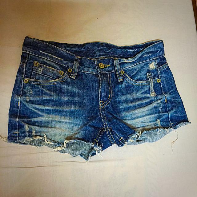 抽鬚牛仔短褲