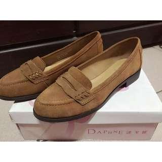 ✨達芙妮DAPHNE✨真皮麂皮學院風樂福鞋