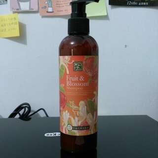 (全新)(含運)香草集 幸福花果洗髮乳