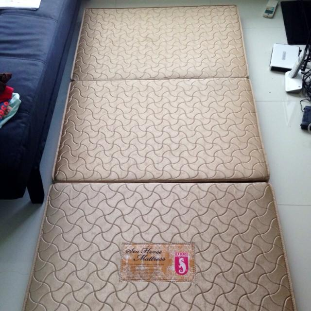 Used Foldable Mattress
