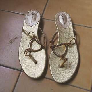 👡金屬鍊條夾腳涼鞋