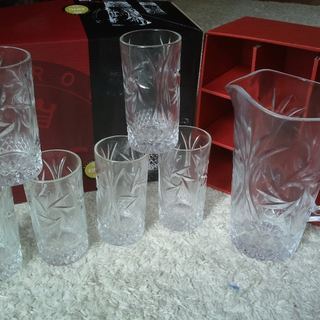 Water Pitcher  Brand New in Box ...(REDUCE PRICE TO CLEAR)