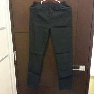 黑色彈性窄褲
