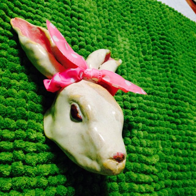 手捏兔子陶藝品