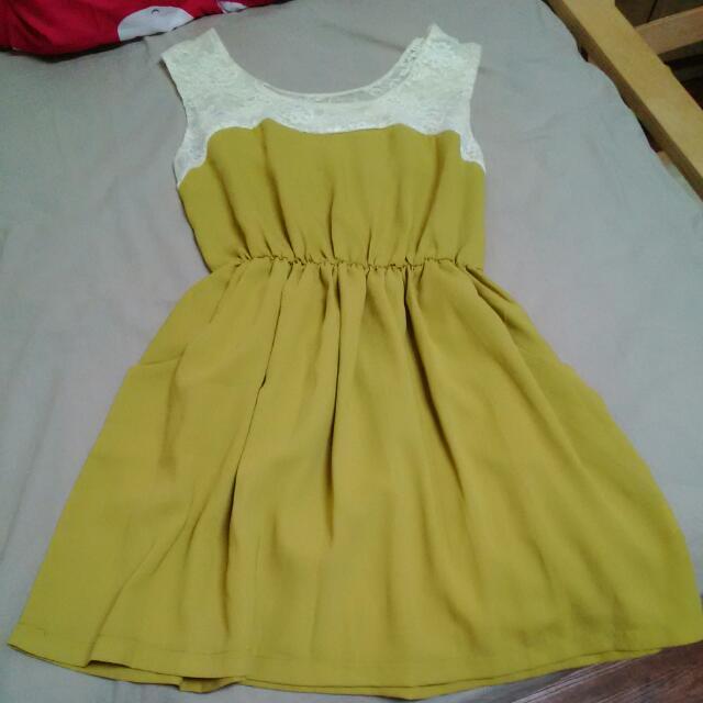 芥黃蕾絲洋裝