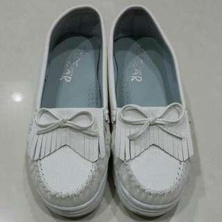 百搭平厚底白鞋 24號