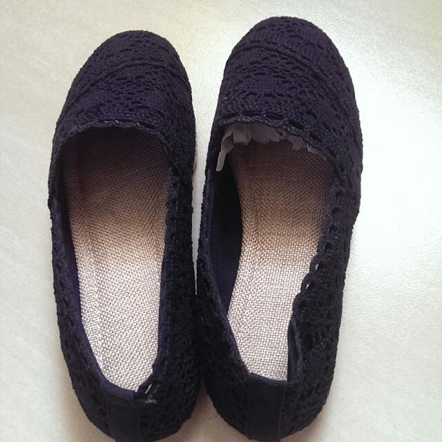 全新黑色蕾絲休閒鞋/23.5