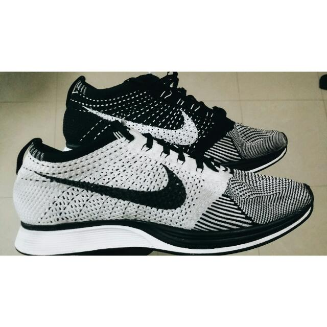 af0c6cce2370e RESERVED) Nike Flyknit Racer Black White (White Tongue)