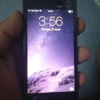 iphone 5 16GB (black) cracked glass