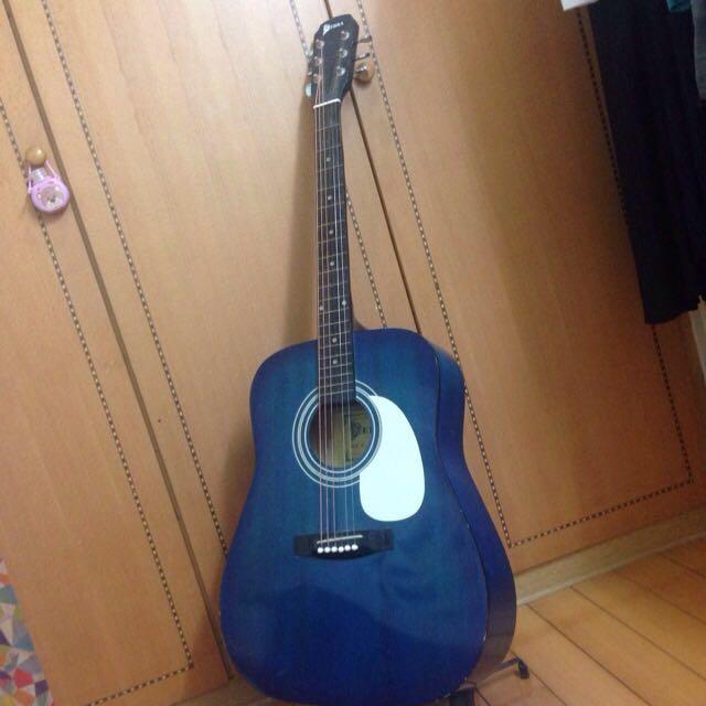 (保留中)寶藍木吉他