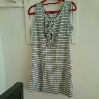灰白橫條連身裙