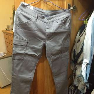 uniqlo 工作褲