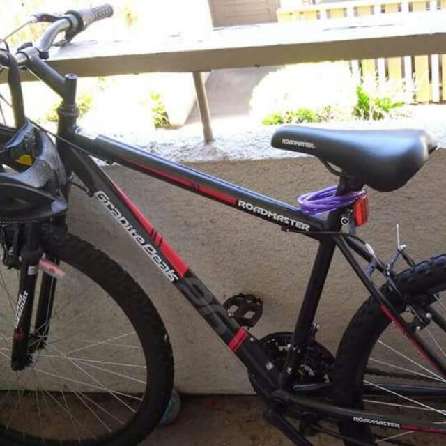 "26 "" Roadmaster Men's Mountain Bike With Helmet And Lock"