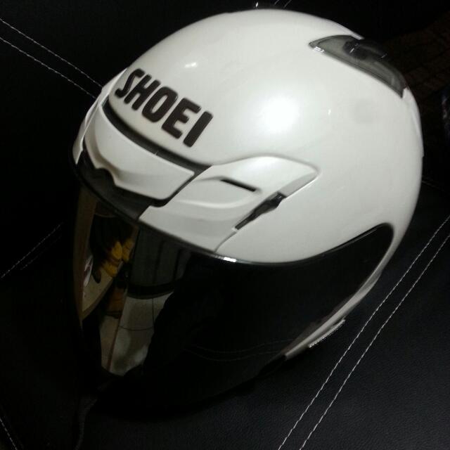售8成新S號SHOEI半罩安全帽