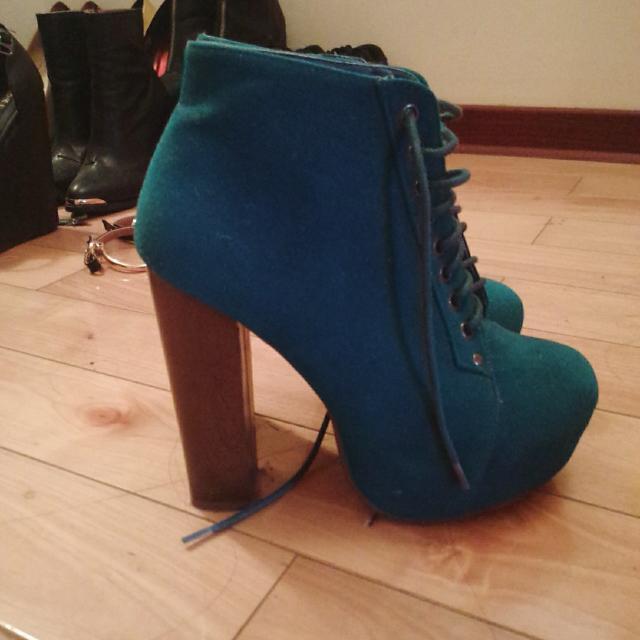 藍綠色高跟靴