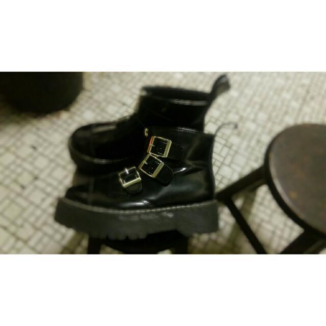 馬丁厚底鞋