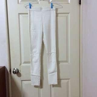 白色內搭褲