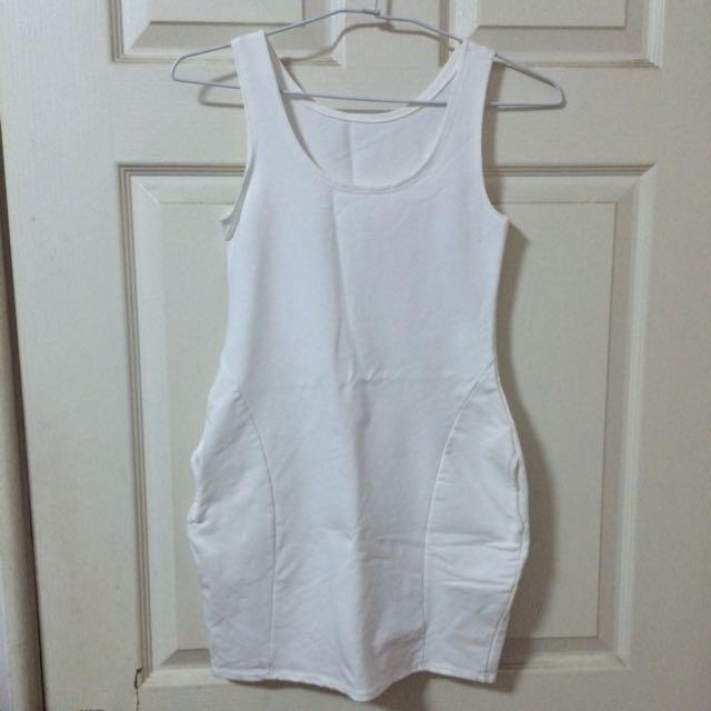 全白口袋洋裝