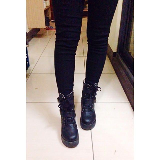 高筒 厚底靴(保留)