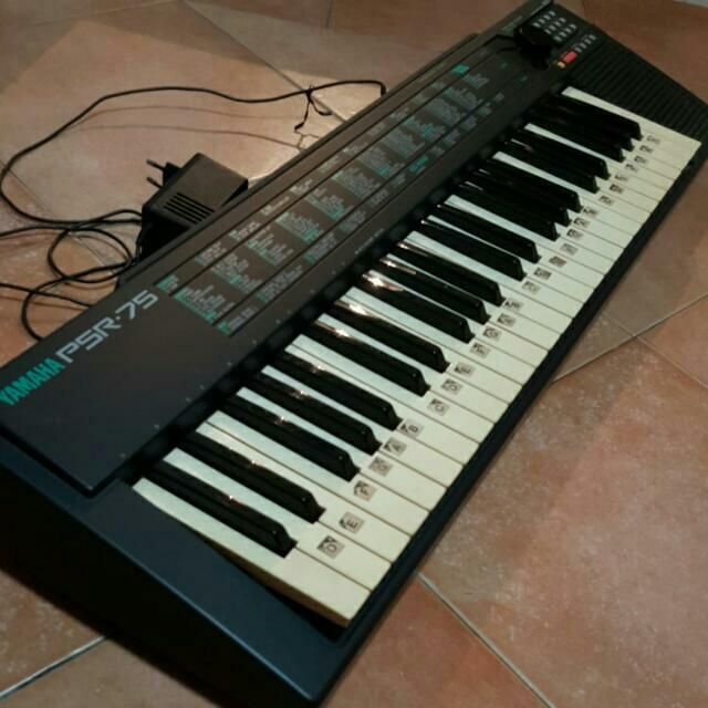 Keyboard yamaha model psr 75 music media on carousell for Yamaha piano keyboard models