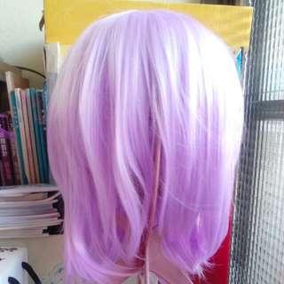 淺紫色短假髮
