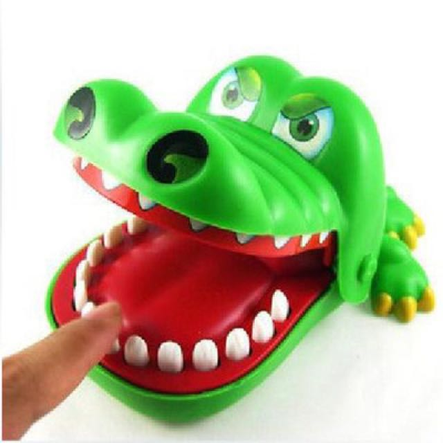 整人鱷魚玩具