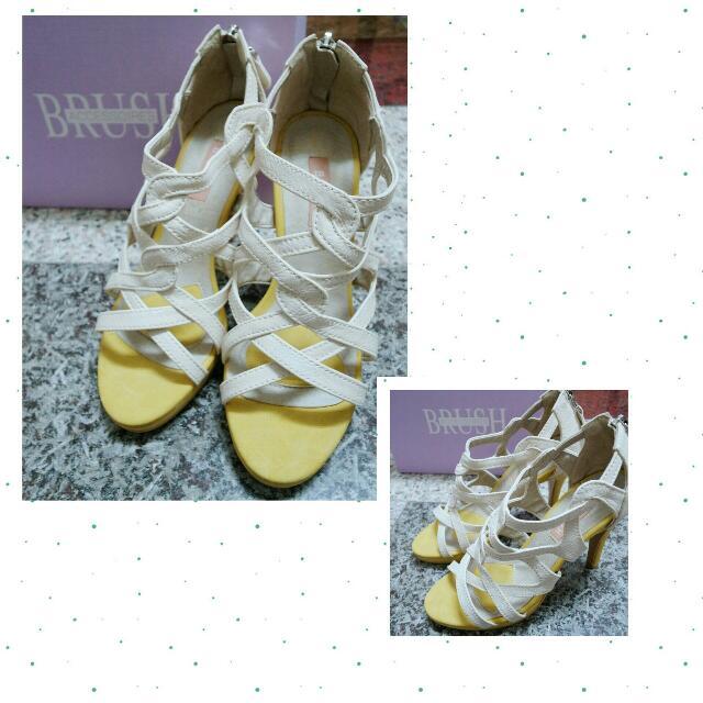 全新!韓國 皮革高跟羅馬鞋