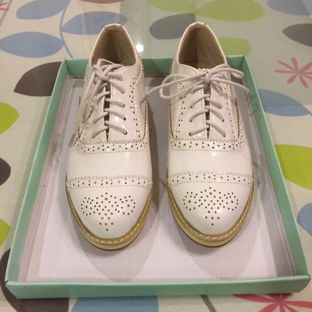 全新 白色牛津鞋 23.5