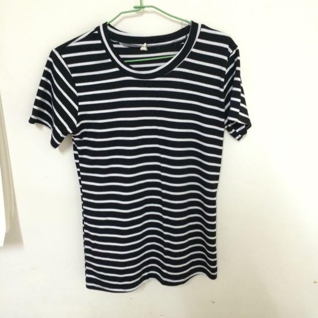 低價售出基本款百搭彈性黑白條紋短T上衣