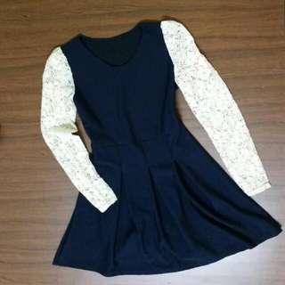 深藍長袖摟空雕花洋裝