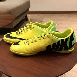 NIKE AUTHENTIC STREET FOOTBALL BOOTS