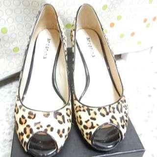 淺棕色豹紋魚口鞋