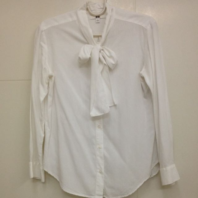 490fb499a17df9 Uniqlo Rayon Long Sleeve Bow Tie Blouse, Women's Fashion on Carousell