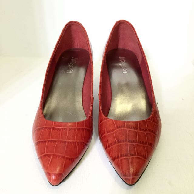 Miss Sofi 紅色仿皮跟鞋