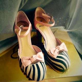 💕Miss Sofi 粉色皮革條紋高跟鞋